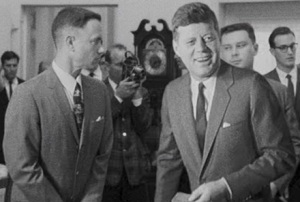 Forrest meets JFK ... and has to pee.